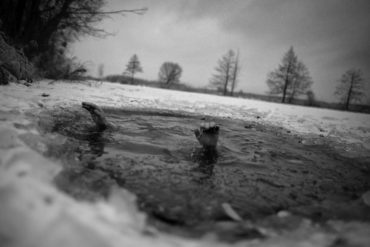 Janusz Strach has been taking winter baths for 7 years, in the Marcinek Lake on the Polish-Ukrainian border.